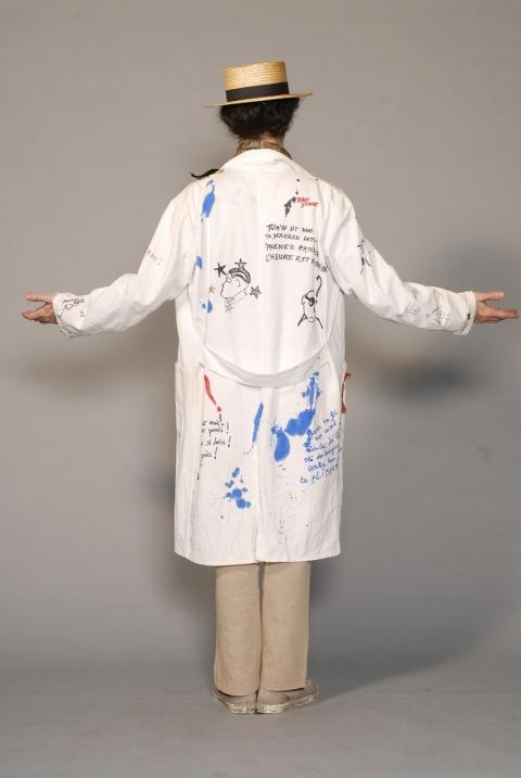 http://chantaldelacoste.com/files/gimgs/th-71_costume Louise12_v2.jpg