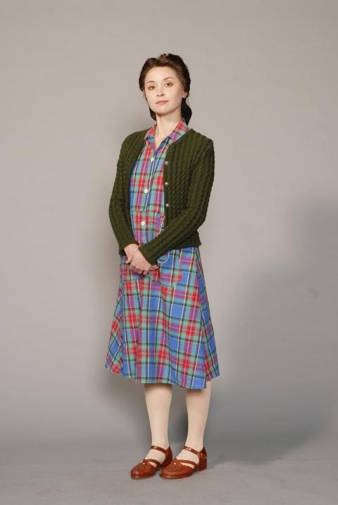 http://chantaldelacoste.com/files/gimgs/th-71_costume Louise14_v2.jpg
